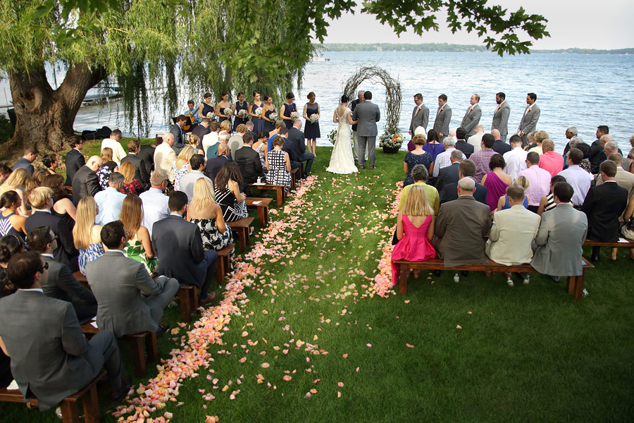 Lake Minnetonka wedding and reception 02